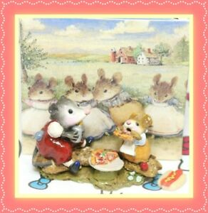 ❤️Wee Forest Folk Possum's Pizza Party M-244 1999 RETIRED Red Possum Tan Mouse❤️