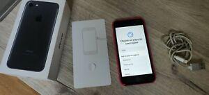 Apple iPhone 7 - 32 Go - Noir (Désimlocké) avec coque rose, + câble lightning