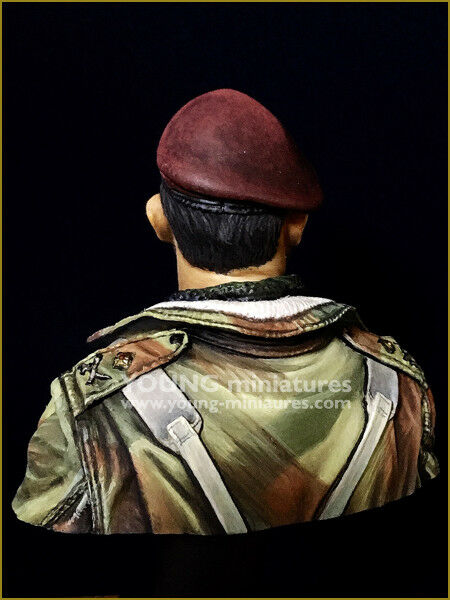 Young Miniatures Red Devils Paratrooper Officer WW2 1 1 1 10th YM1870 Unpainted kit 201046