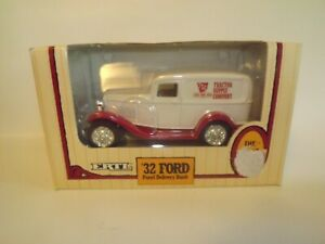 Ertl-1932-Ford-Panel-Truck-Delivery-Van-TRACTOR-SUPPLY-COMPANY-DieCast-Metal-NEW