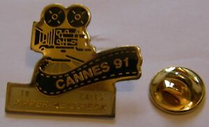 CHAMPAGNE-PIPPER-HEIDSEICK-CANNES-91-TV-CALLS-French-Wine-vintage-pin-badge