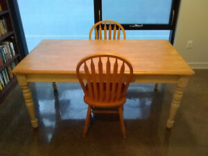 Barrel Style Farmhouse Table 2 Chairs