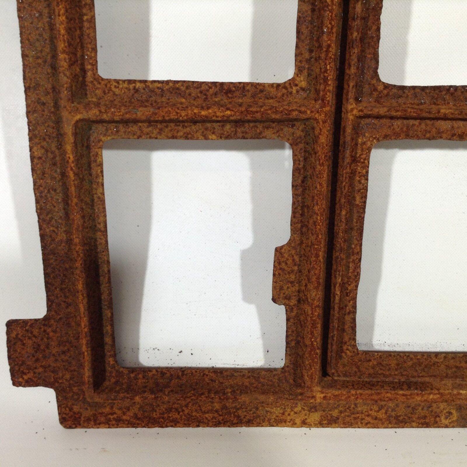701A  Antikes Stallfenster Gusseisen Fenster Mauersteine Garten Natursteinmauer