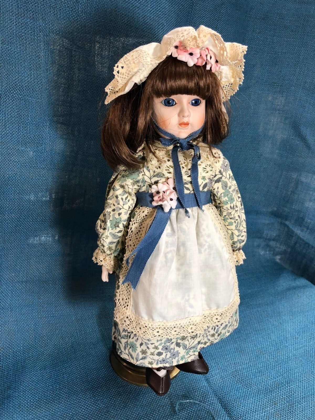 Gorham 1981 Porcelain Doll 14  Danielle  You Are My Sunshine  Missing Key