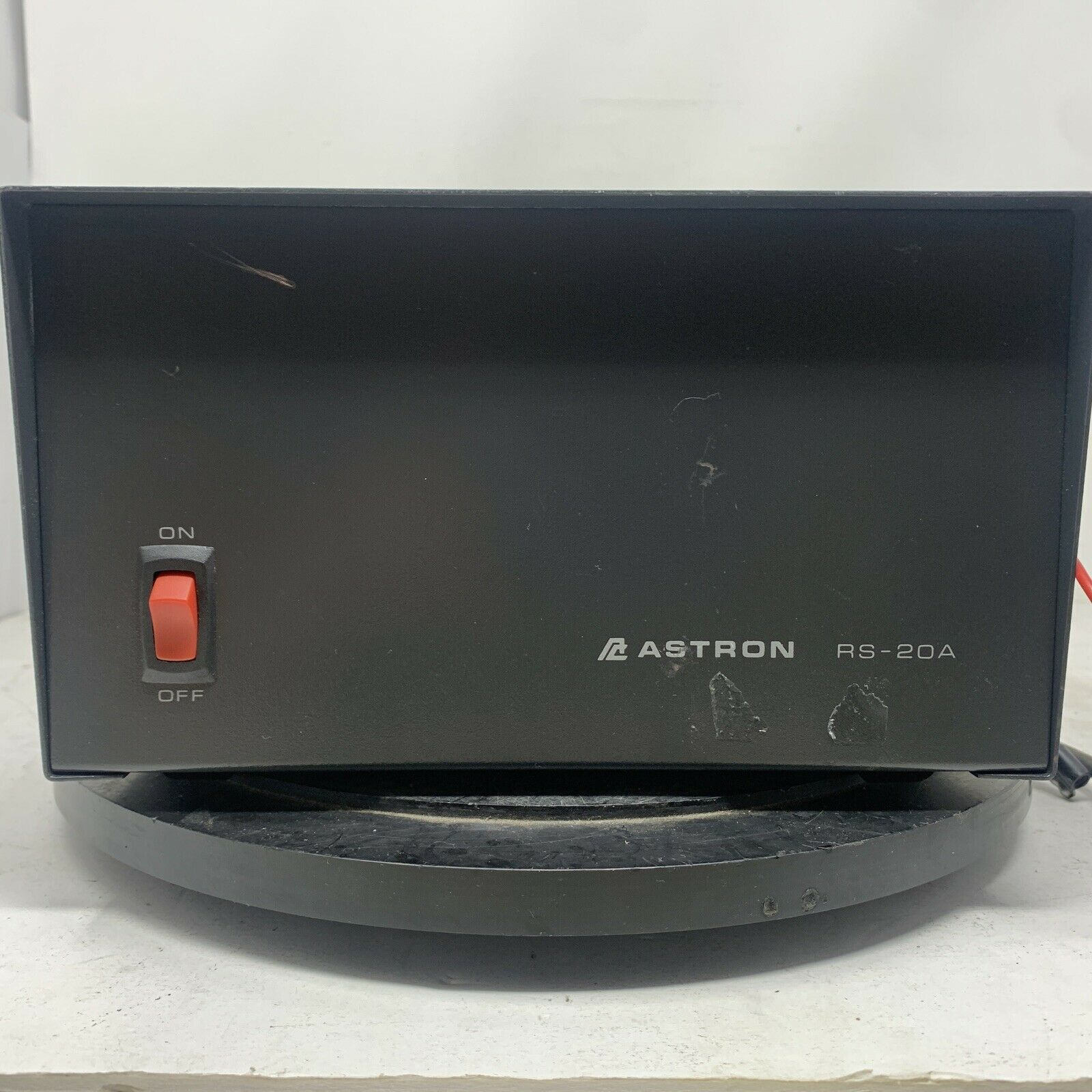 RS-20A rrr_traders Astron RS-20A Tabletop 20 Amp Power Supply MW00A(1)