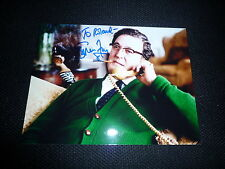 STEPHEN FRY  signed Autogramm 20x25 cm In Person THE HOBBIT