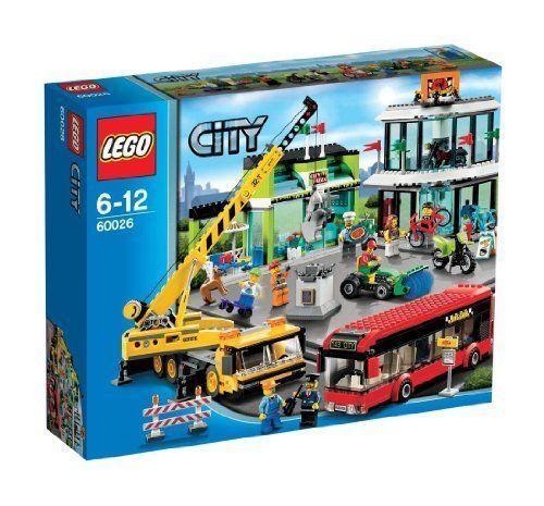 Lego 60026 City  TOWN SQUARE Set Bus Bike Shop 8 minifigures Modular Retirouge  protection après-vente