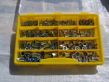 220tlg Nietmuttern Sortiment M4 - M10 Alu und Stahl Flachkopf in Kunststoffbox