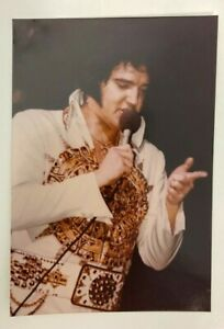 ELVIS-PRESLEY-VINTAGE-KODAK-ON-STAGE-IN-CONCERT-RARE-3-5-X-5-034-COLOR-PHOTO