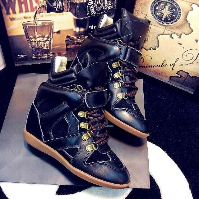 Isabel Marant scarpe da ginnastica nero  con lacche'.Cuoio.Portogallo  goditi il 50% di sconto