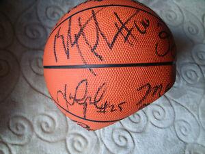 1999-2000-UNC-North-Carolina-UNC-Tar-Heels-team-signed-auto-autograph-basketball
