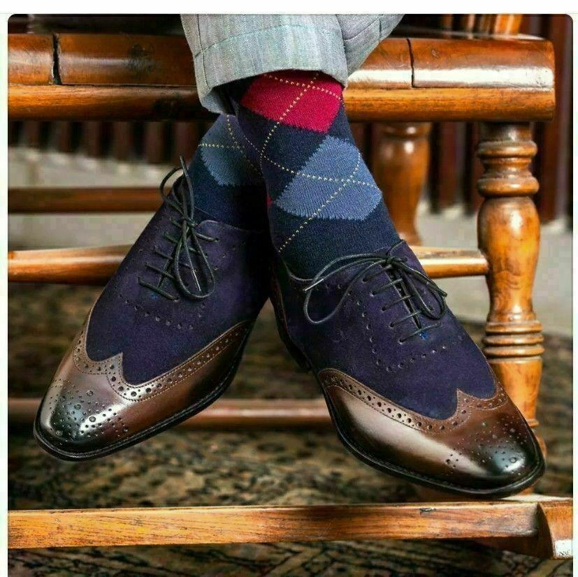 Zapatos hechos a mano de marrón cuero y gamuza azul oscuro