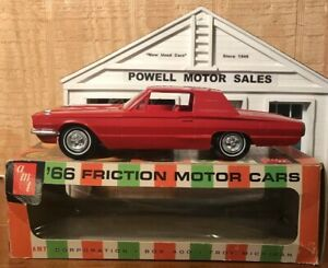 AMT-1966-FORD-THUNDERBIRD-2-DR-HT-CANDY-APPLE-RED-PROMO-1-25-Scale-ORIGINAL-BOX