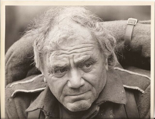 PF All quiet on the Western Front ( Enest Borgnine )