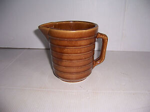 Vintage-USA-Stoneware-Pottery-Brown-Glaze-Ribbed-Milk-or-Syrup-Pitcher-5-034