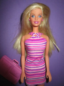 B875-ALTE BLONDE BARBIE MATTEL 1998 ROSA OHRRINGE+ORIGINALES KLEID+ ... e8556009c5