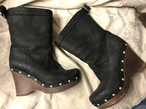 8df8a681168 Details about UGG Women's Carnagie Nubuck Leather Wedge Studded Sheepskin  Ankle Black Boots