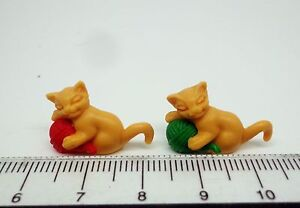 1-12-Scale-Pack-Of-2-Kittens-With-Ball-Dolls-House-pet-Nursery-Accessory-Y