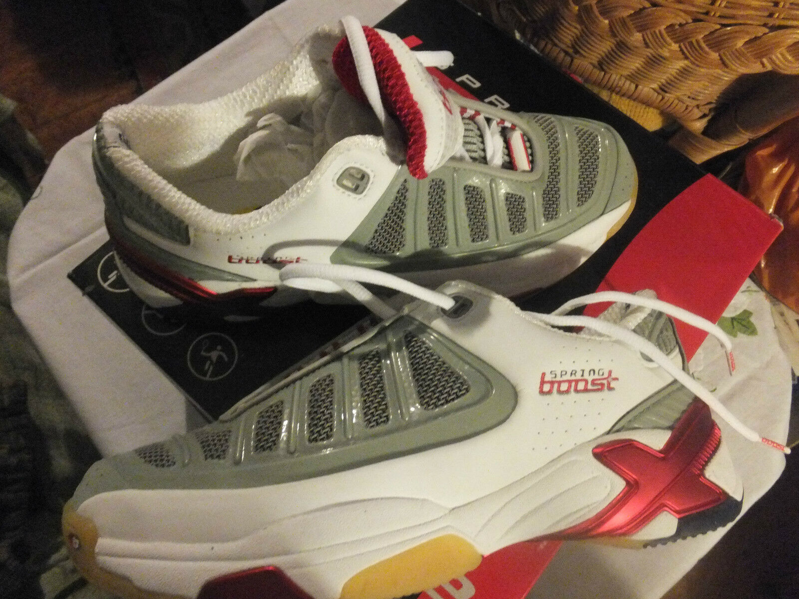 Sprint Booster B-Spike Baskets taille 6.5 40 US 9 Unisexe