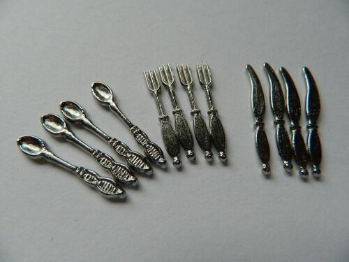 KP1-30 Casa de muñecas juego de cubiertos de metal en color plata