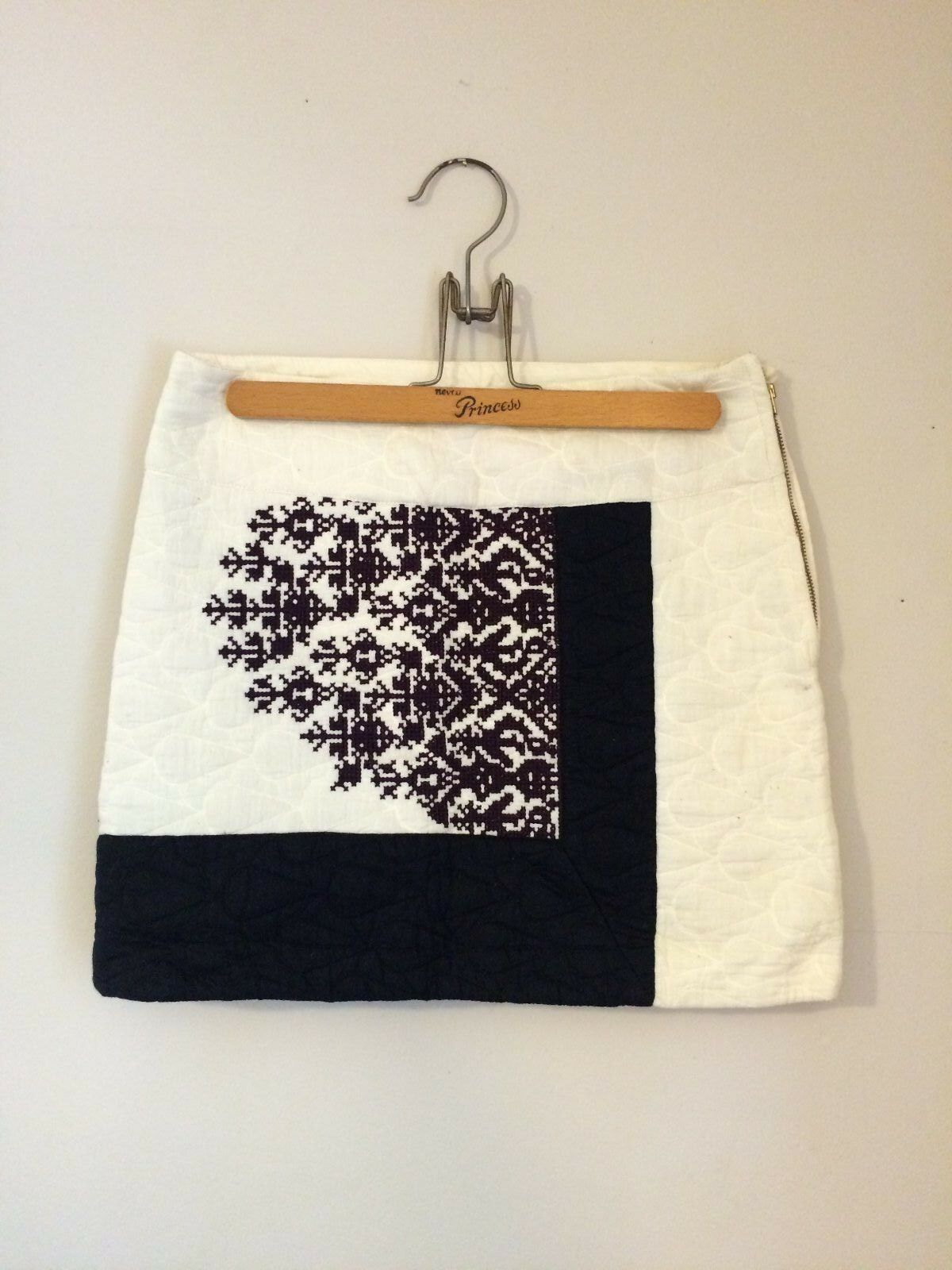 Anthropologie Quilted Embroidered Skirt size 0