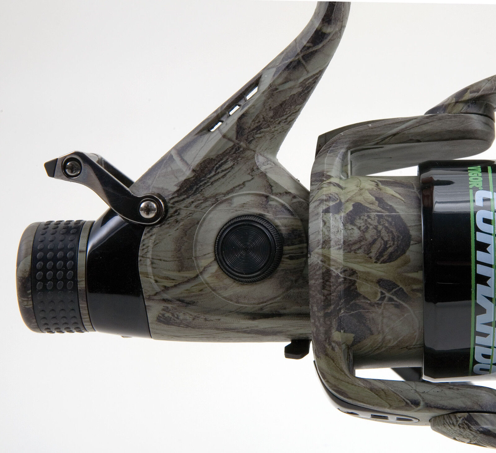 Lineaeffe Vigor Commando Freilaufrolle inkl Schnur 4000//6000 Camou Karpfenrolle