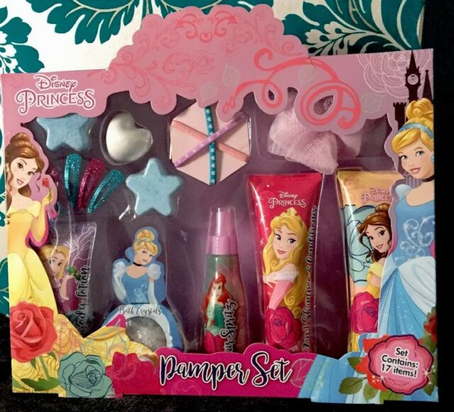 994ee5c776bb7 Disney Princess Girl's Bathtime Pamper Gift Set Contains 17 Items
