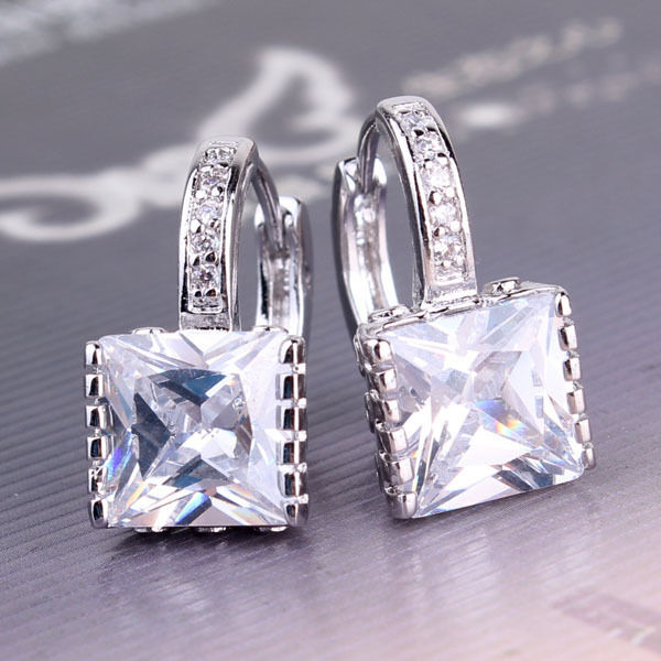 Luxury party huggie earring! 18k white gold filled Sapphire crystal earring
