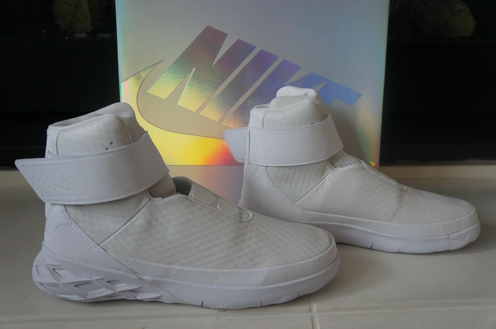 NEW in BOX NIKE SWOOSH HNTR HUNTER WHITE SNEAKERS High Tops 832820-101 SZ 12.5