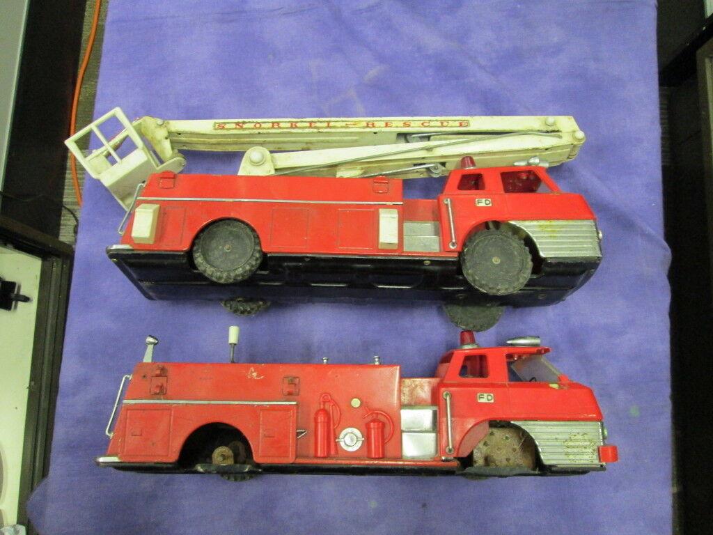 Vintage Metal Snorkel Rescate Fire Trucks