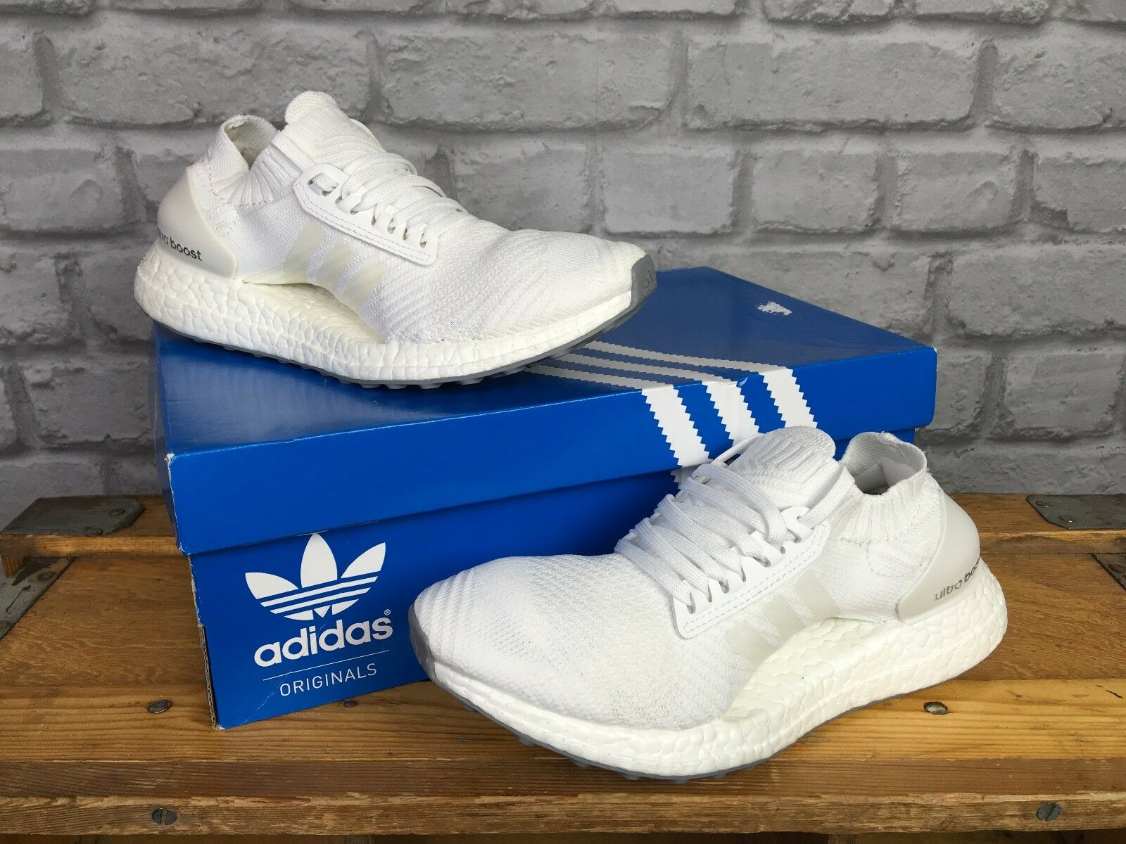 ADIDAS LADIES UK 4 ULTRA BOOST X PRIMEKNIT WHITE CRYSTAL WHITE TRAINERS  £150