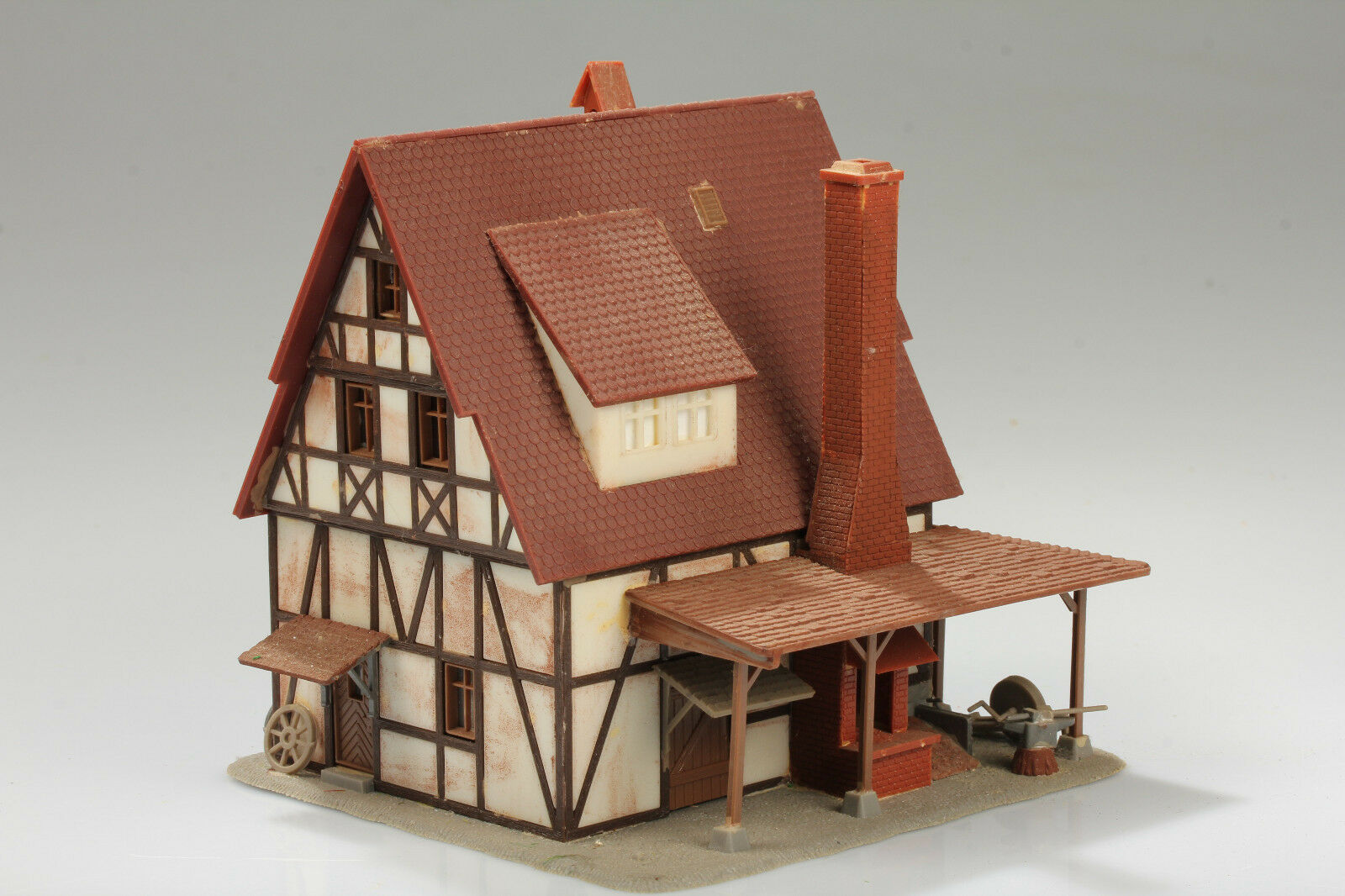 H0 Pretty Craftsman Timber Frame House Forge Dirt  Scratches Klebemängel