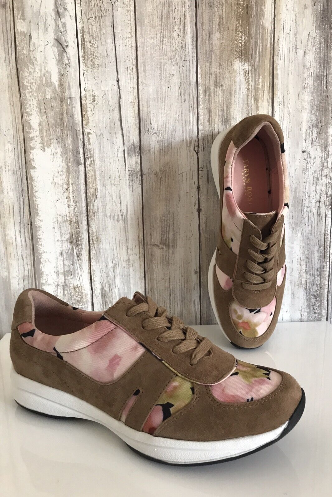 Taryn pink Arvella Beige Suede Fashion Sneaker Blossom Floral Lace Up 6 RARE