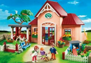 Playmobil-5529-City-Life-VETERINARY-CLINIC-Discontinued-USED-COMPLETE