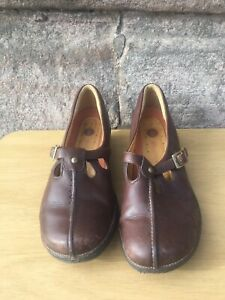 Ladies-CLARKS-UNSTRUCTURED-Brown-leather-T-Bar-Shoes-UK-5D-Flats-Work-comfort