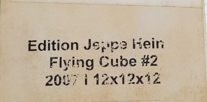 Sparebøsse, Jeppe Hein, motiv: Flying Cube