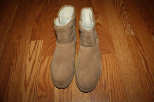 UGG Chestnut Leather Sheep Skin Wool Lined Cory Boots 11