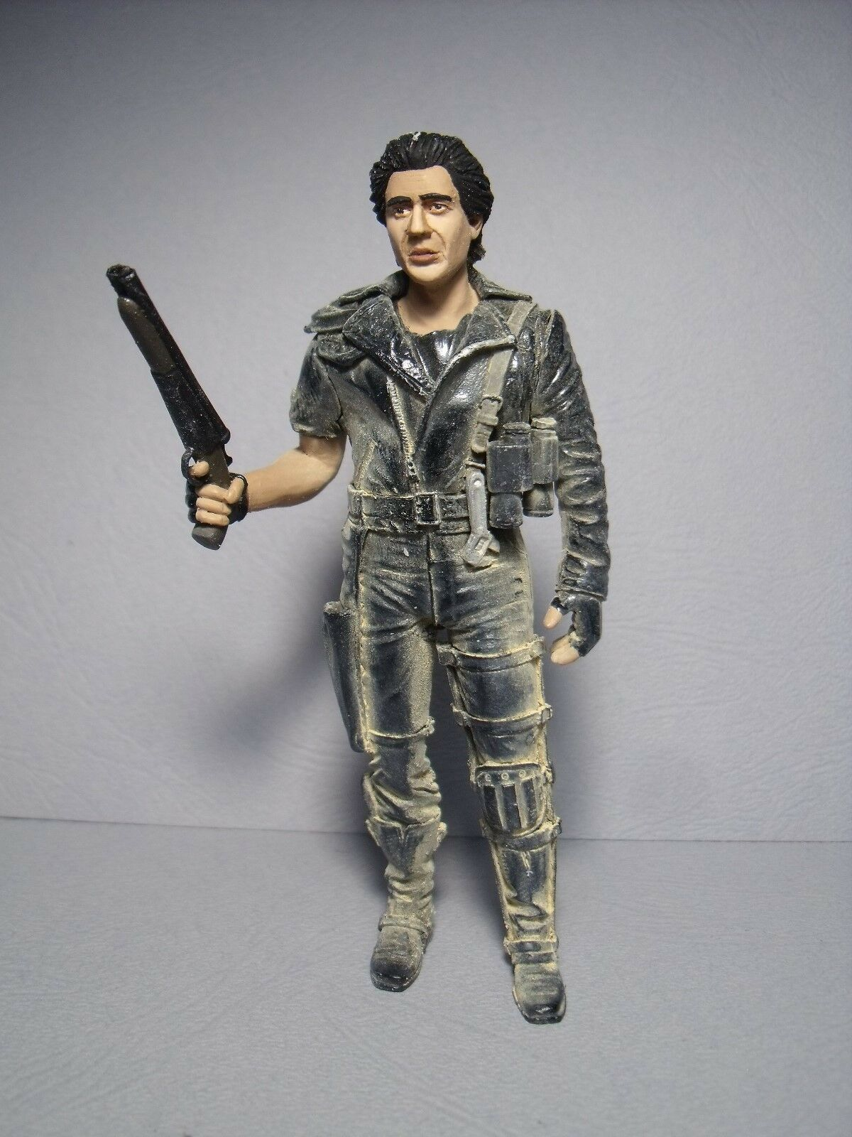 MAD  MAX    1 18  UNPAINTED  FIGURE  MADE  BY  VROOM  FOR  MATTEL  MINICHAMPS 487c70
