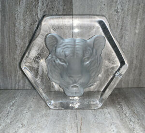 Exxon Tiger Sweden Kosta Boda Crystal Glass Paperweight Award Paul Hoff Gas Oil