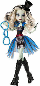 Monster-High-Frankie-Stein-SCHAURIG-SCHONE-SHOW-Freak-du-Chic-OVP-CHX98