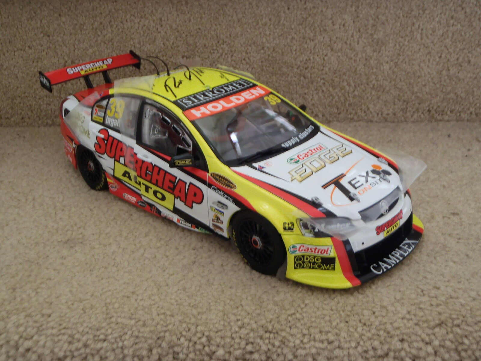 NEW SIGNED RUSSELL INGALL 2009 SUPERCHEAP RACING VE COMMODORE 1 18 CLASSIC CAR