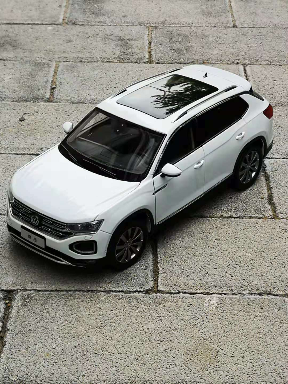 1 18 VW Tayron de Color blancoo modelo