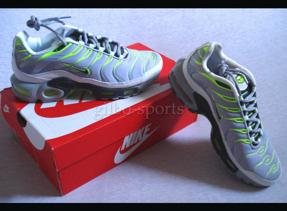 Nike Air Max Plus Wolf Grau Volt Yellow Gr. 40 40,5 42 42,5 Neu 852630 003  TXT