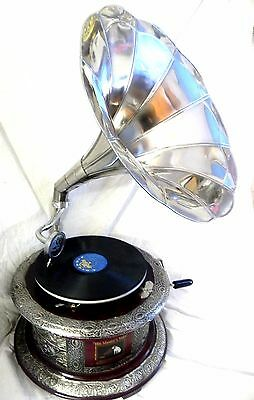 ANTIQUE ROUND GRAMOPHONE PHONOGRAPH CRAFTED MACHINE WITH STEEL PLAIN HORN