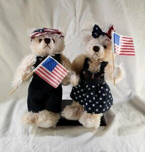10-034-Handmade-Toy-Bears-Wearing-USA-Themed-Clothing-Includes-Display-Stand