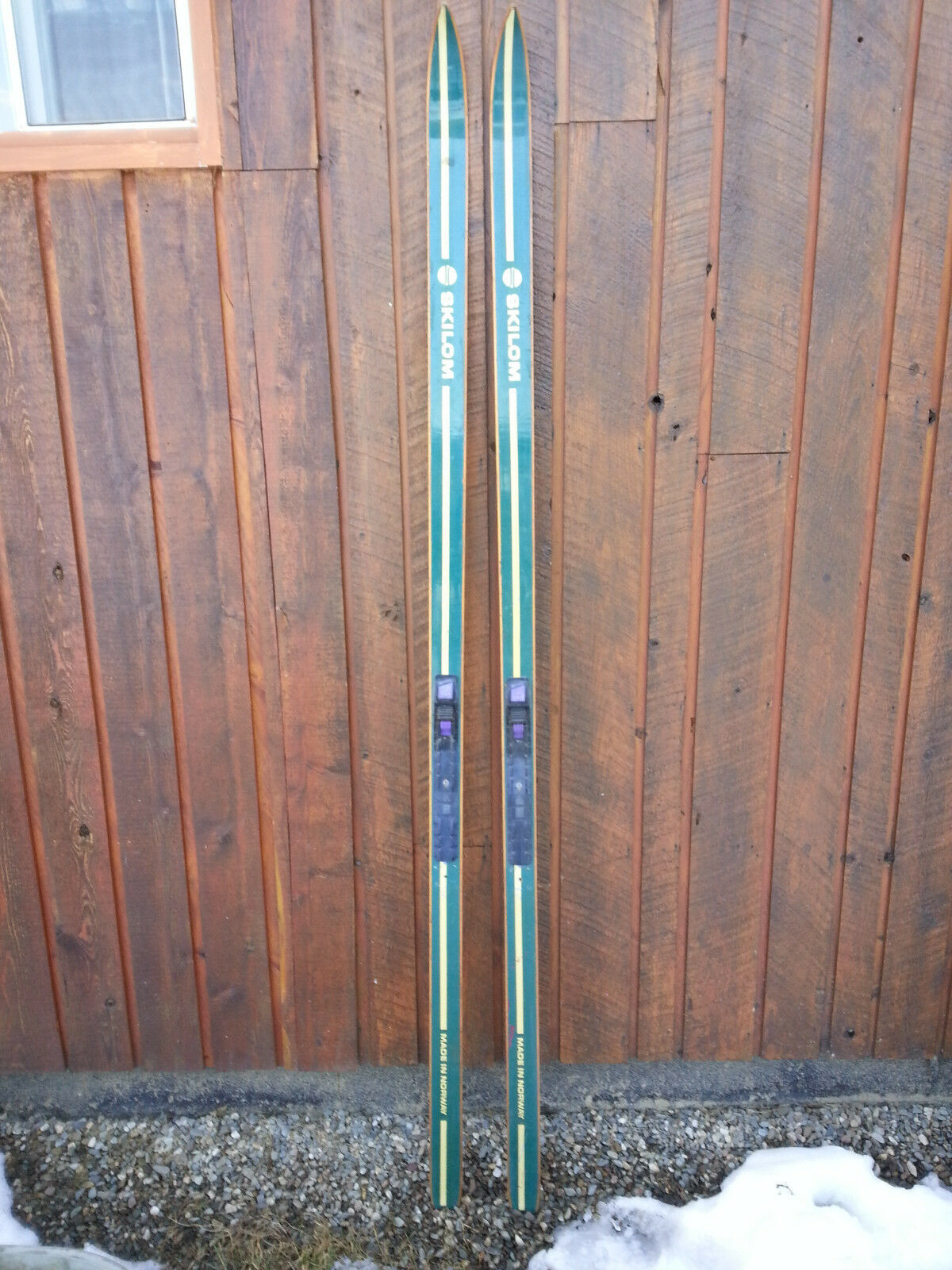 VINTAGE  Wooden 72  Skis Signed SKILOM with  GREEN Finish  no.1 online