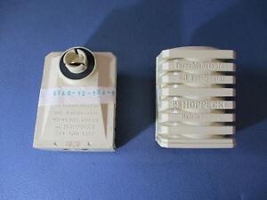 DKW-Munga-0-25-t-Verschlussstopfen-mit-Kat-fuer-Batterie-3035-401-10-01-000