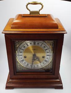 Vintage-Howard-Miller-Lynton-Chiming-Mantel-Clock-Key-Wind-model-613-182