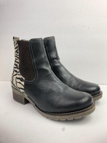 Dromedaris Women's Black Zebra Leather Zipper Kour