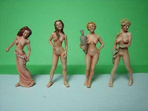 Naked aexy women scissoring